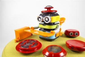 Tacobot met zijn verschillende sensorhoeden
