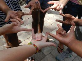 Hands that gestures